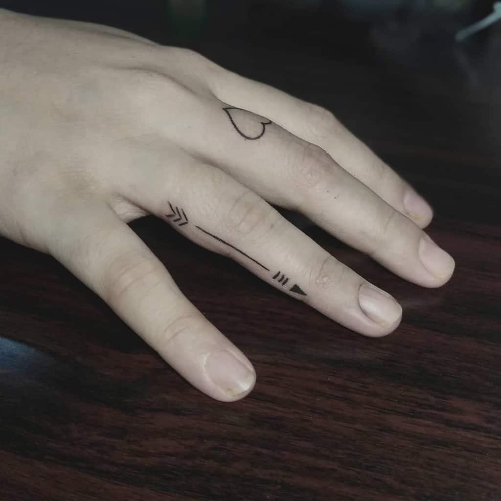Small Hand FingerTattoo For Women 2 Ferdinandcalabontattoos