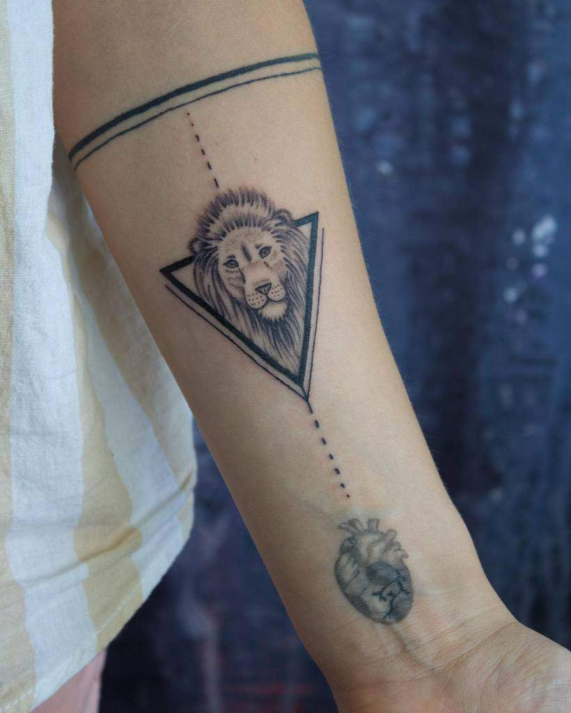 Small Lion Forearm Tattoos _highink