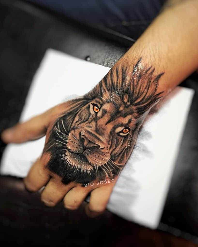 Small-Lion-Hand-Finger-Tattoos-biojosec-1229×1536