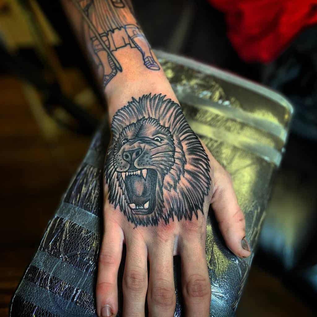 Small Lion Hand Finger Tattoos kuttieink
