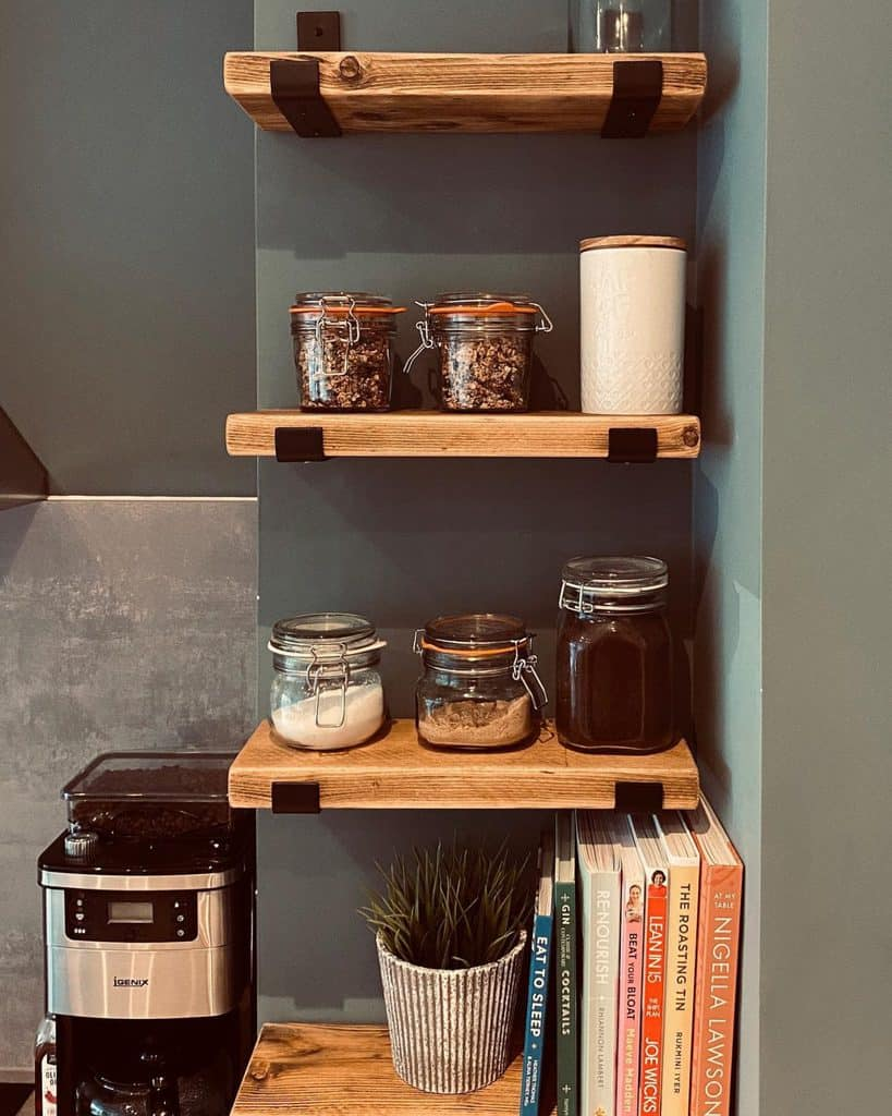 Small Shelving Ideas eighty_onthebay_