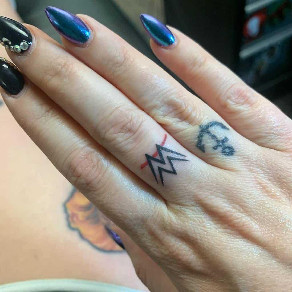 Small Symbol Finger Tattoos atcharlenetiara