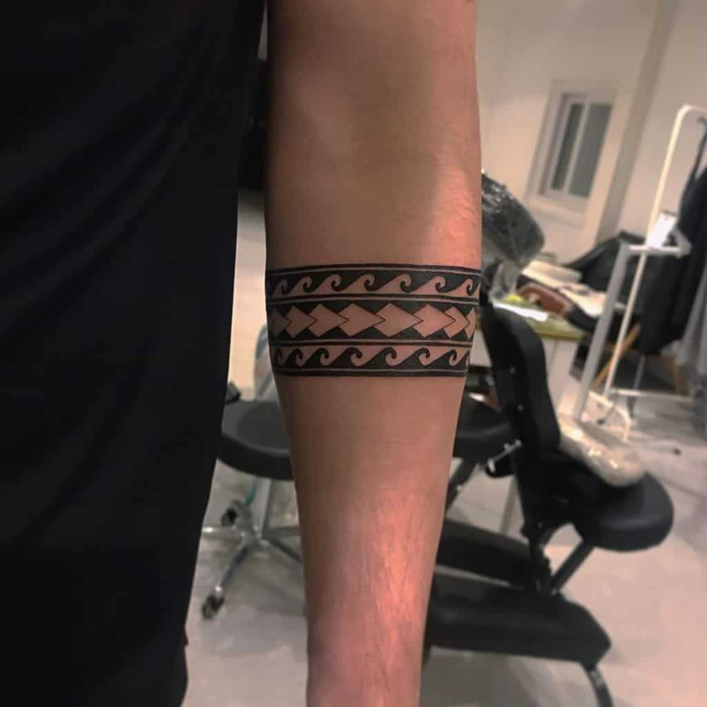 Small Tribal Polynesian Tattoos tattooist_showhwan