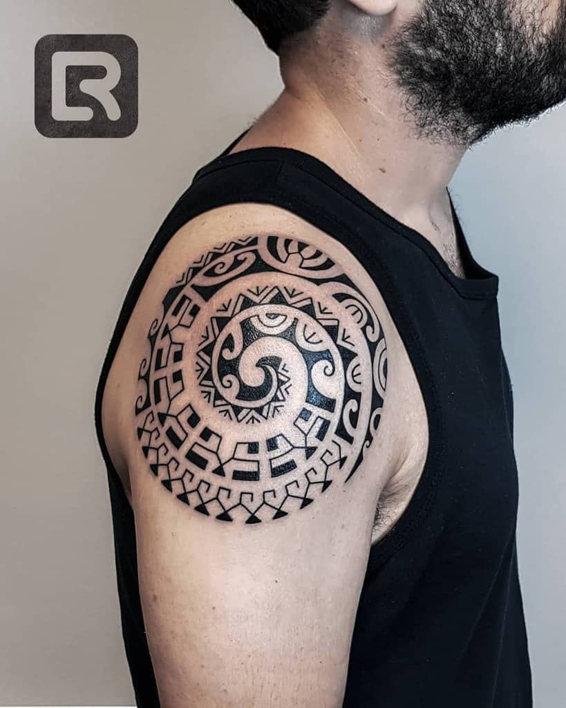 Small Tribal Shoulder Tattoos raskinstyle