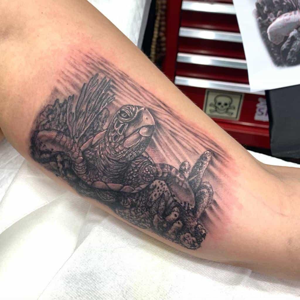 Small Turtle Upperarm Tattoos metalmachinetattoo