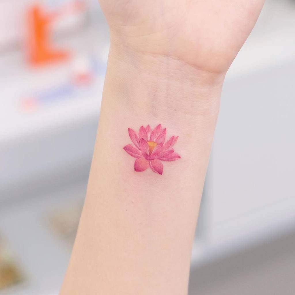 Small Wrist Tattoos For Female Siyeon Tattoo
