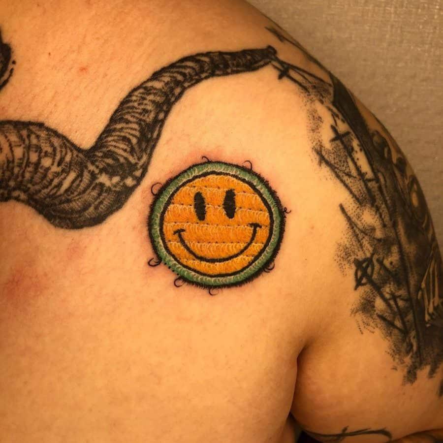 smiley-patch-embroidery-tattoo-janjaeju_tattoo