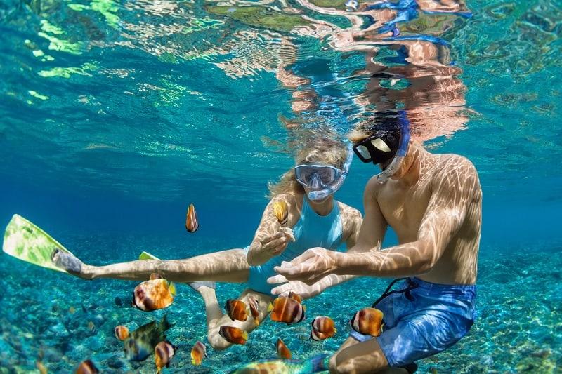 Snorkeling-Best-Hobbies-For-Couples
