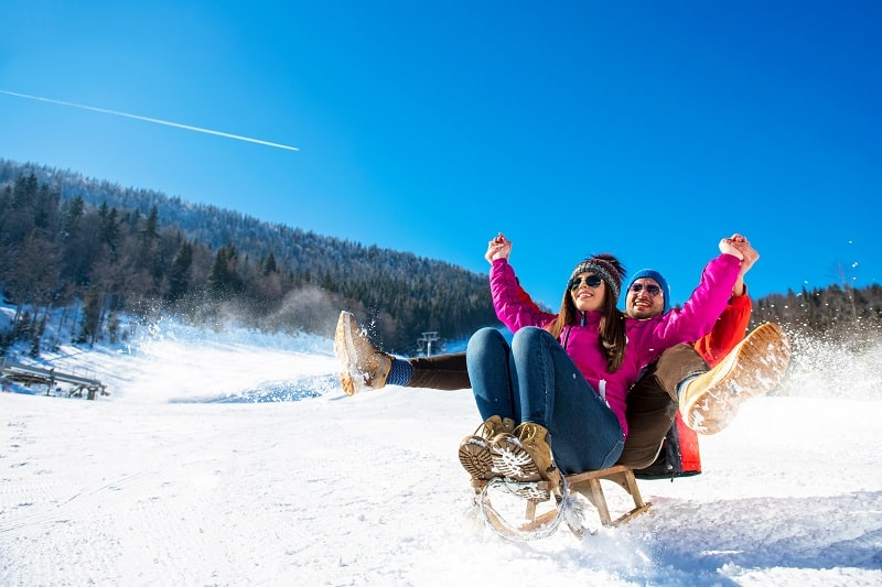 Snowboarding-Best-Hobbies-For-Couples