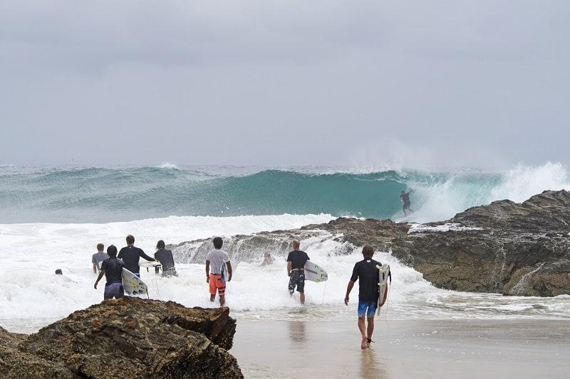 Surf-Spot-in-Snapper-Rocks-Gold-Coast-Australia