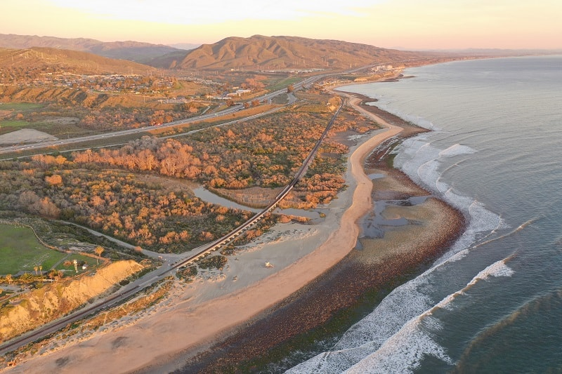 Surf-Spot-in-Trestles-California-USA