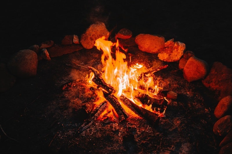 Surround-Your-Fire-With-Rocks-Tactics-And-Techniques-To-Master-Wilderness-Survival