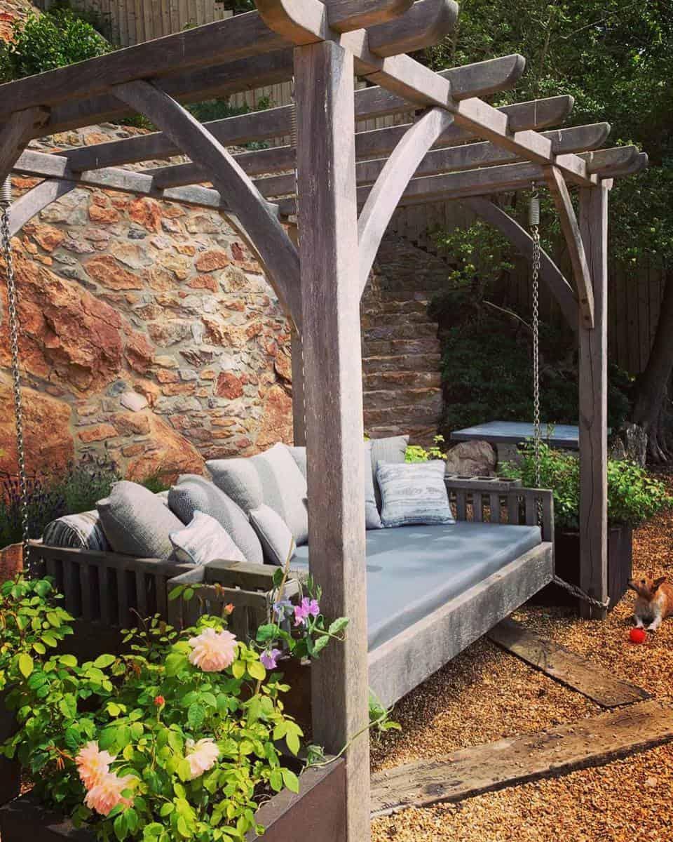 Swing Bench Garden Bench Ideas -dianabakerdesigns
