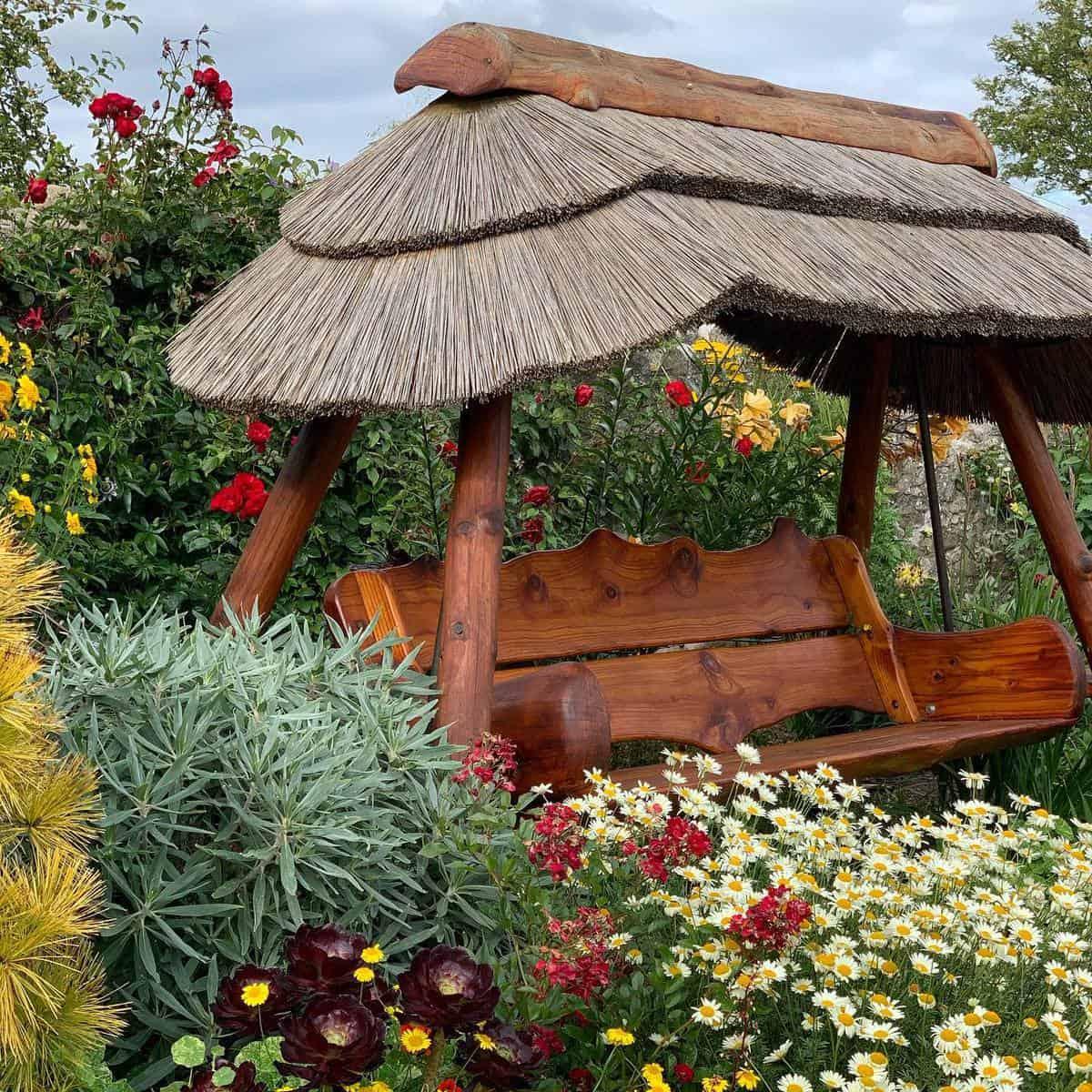 Swing Bench Garden Bench Ideas -thorntonhallgardens