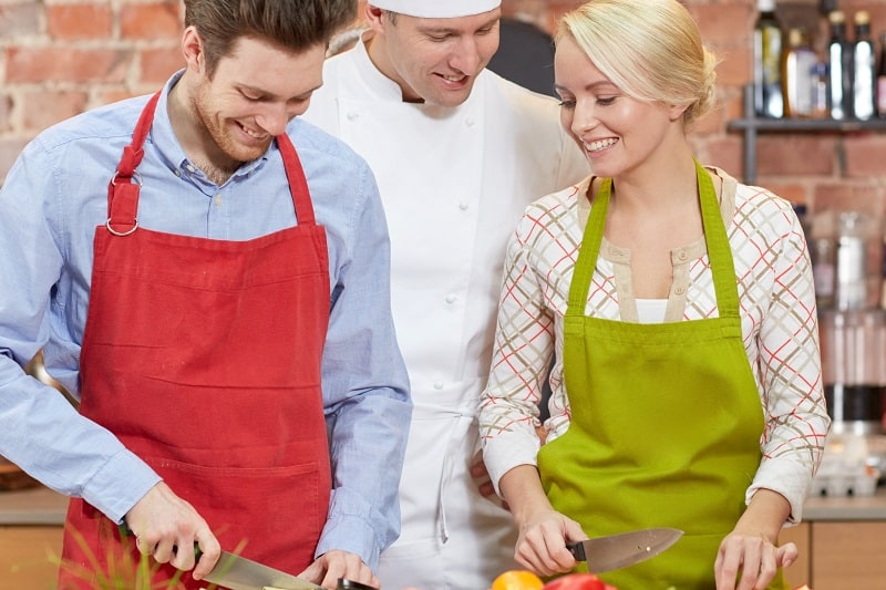 Take-Cooking-Classes-Together-To-Keep-The-Romance-Alive