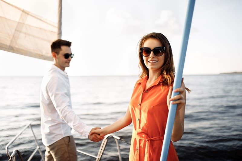 Take-Turns-Choosing-Daily-Activities-To-Travel-With-a-Partner-Without-Breaking-Up