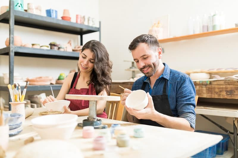 Take-a-Painting-Class-Together-To-Keep-The-Romance-Alive