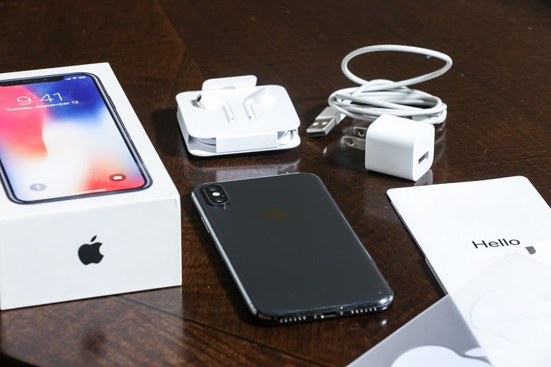 The 12 Must Have iPhone Accessories in 2021
