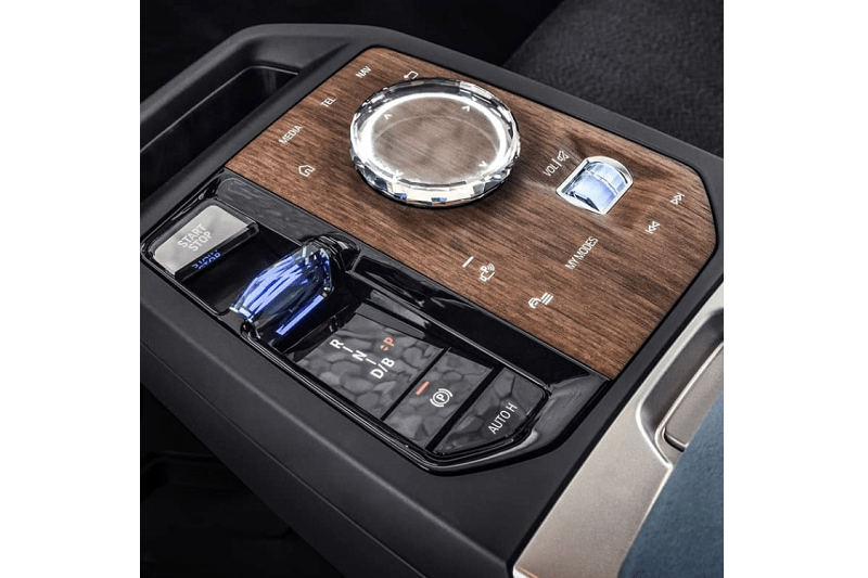 The First-Ever BMW iX Is Here 3