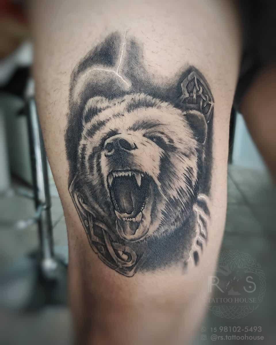 Thigh Black Bear Tattoo robson13tattoo