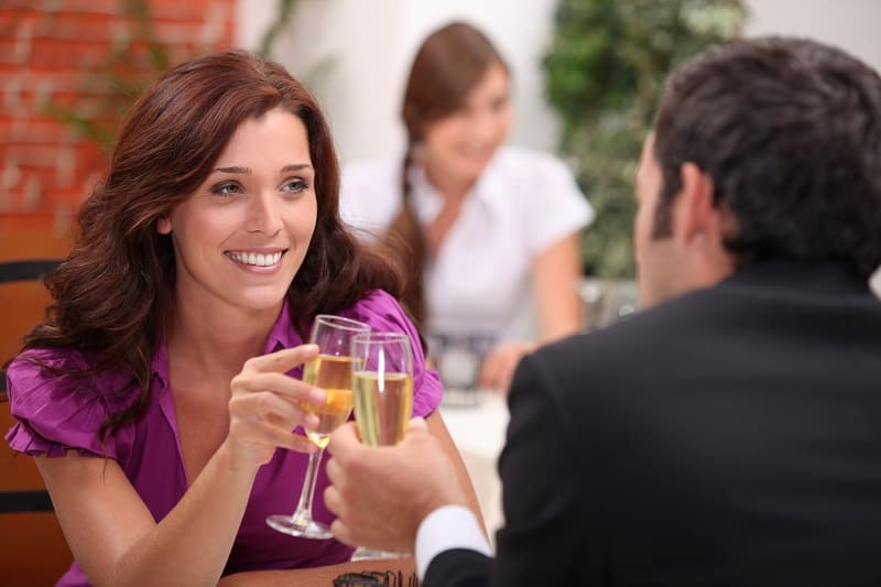 Three-Date-Rule-For-Dating-Older-Women