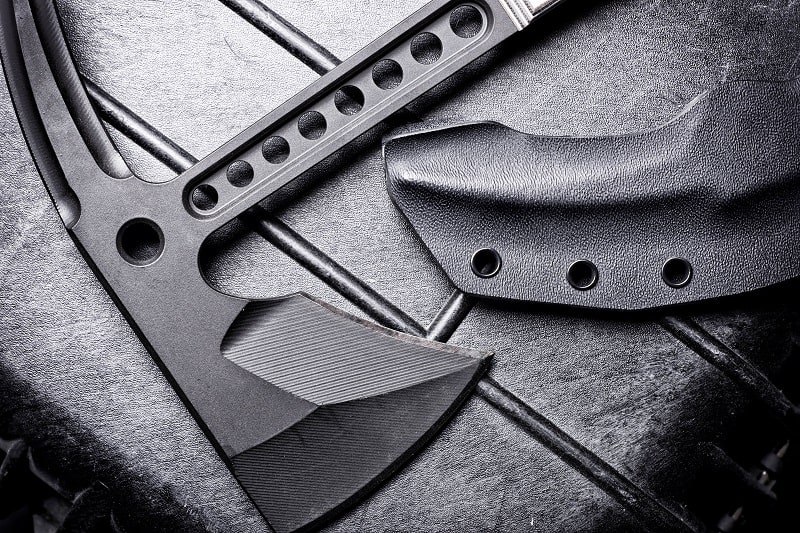 Top 9 Best Tactical Tomahawks For Men – Bladed Survival Tools