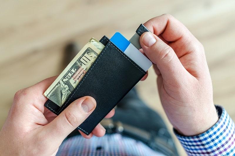 Top 21 Best Carbon Fiber Wallets For Men – Ultra Slim And Lightweight Wallets