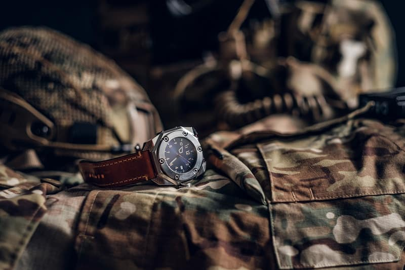 Top 28 Best Military Watches For Men – Cool Tactical Timepieces