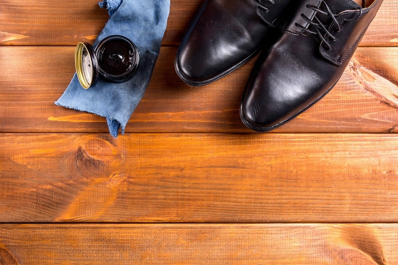 Top 5 Best Shoe Polish For Men – Essentials To Shine Your Footwear