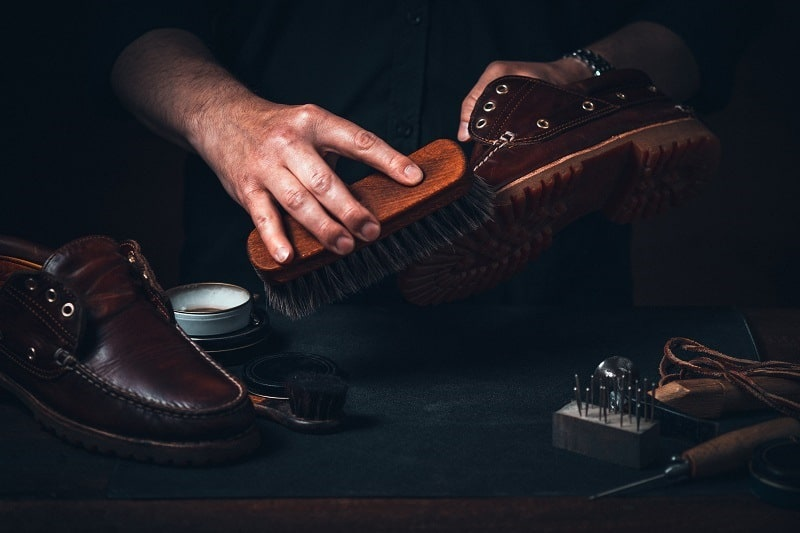 Top 8 Best Shoe Shine Kits For Men – Polished Dress Shoes And Footwear