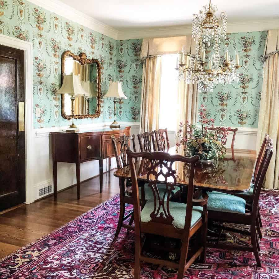 Traditional dining room lighting ideas adornedsouthernhome