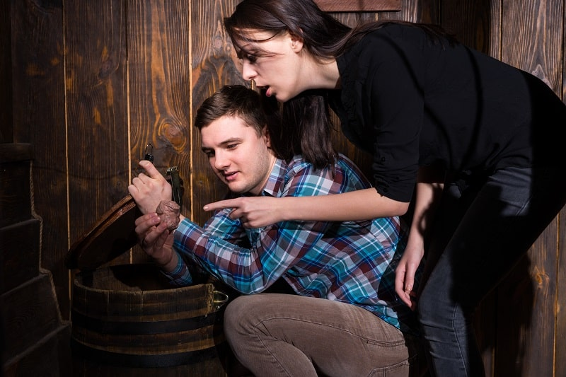 Try-an-Escape-Room-Valentines-Day-Date-Ideas