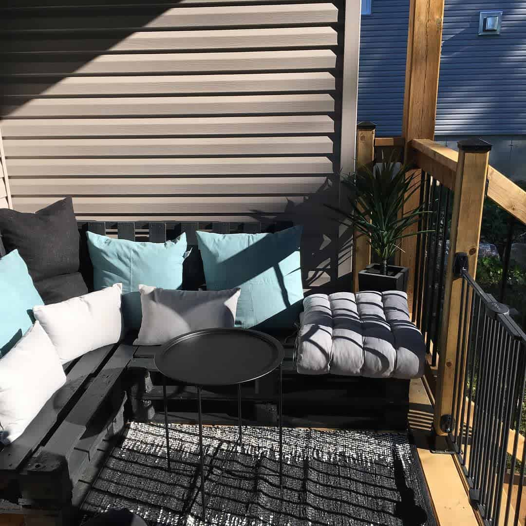 Two Tone Deck Color Ideas -ashleymariemelo