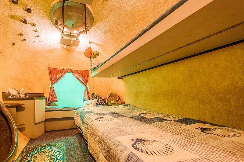 Underwater Hotel Jules' Undersea Lodge in Key Largo, Florida