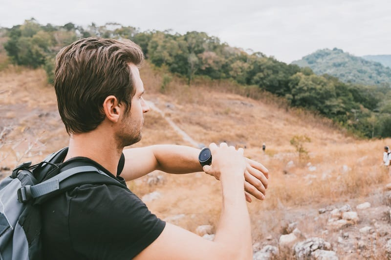 Use-Your-Watch-To-Navigate-Tactics-And-Techniques-To-Master-Wilderness-Survival