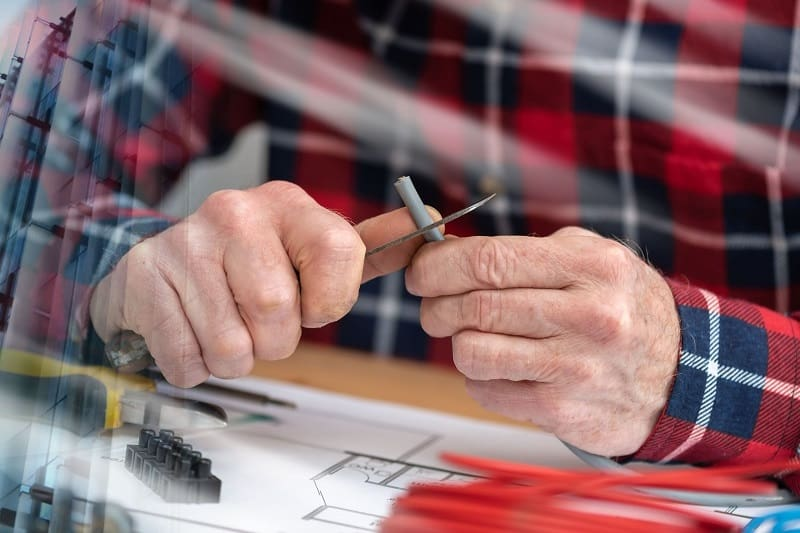 Use a Pocket Knife to Cut and Strip Wire