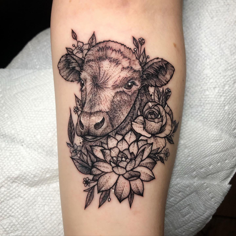Kuh Vegan Tattoo -tiny.elf.tattoos