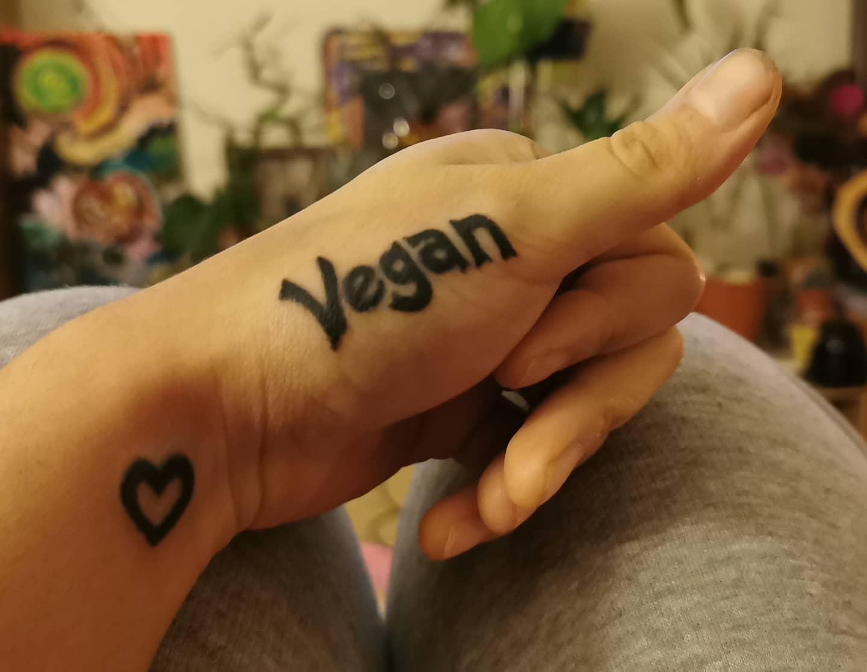 Wort Vegan Tattoo -alt.seeing.aye