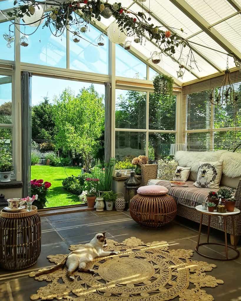 Vintage Sunroom Furniture Ideas rebecca_anchorban_house