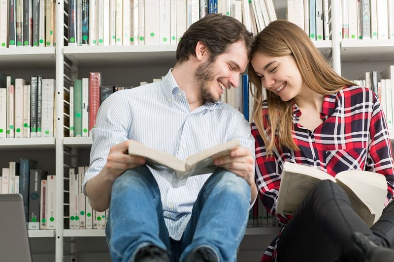 Visit-Your-Local-Bookstore-Valentines-Day-Date-Ideas