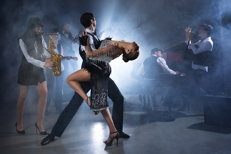 Visit-a-Jazz-Club-To-Keep-The-Romance-Alive