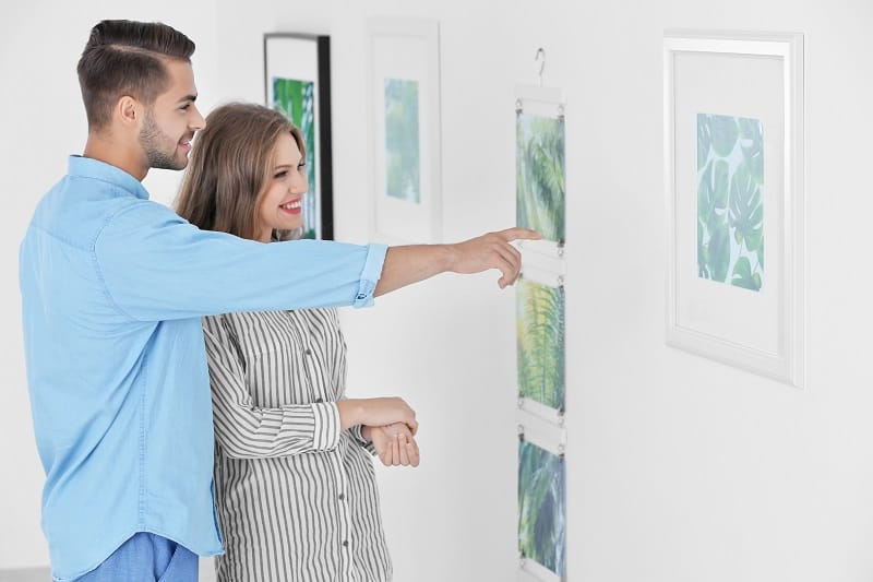 Visit-an-Art-Gallery-To-Keep-The-Romance-Alive