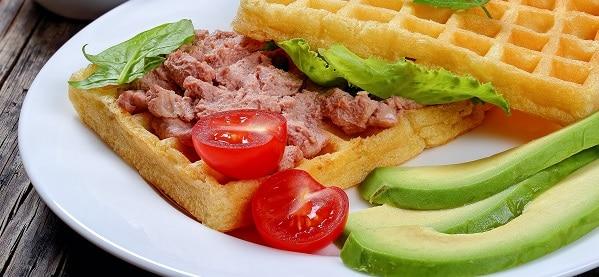 Waffle-Sandwich-Pre-Workout-Meal