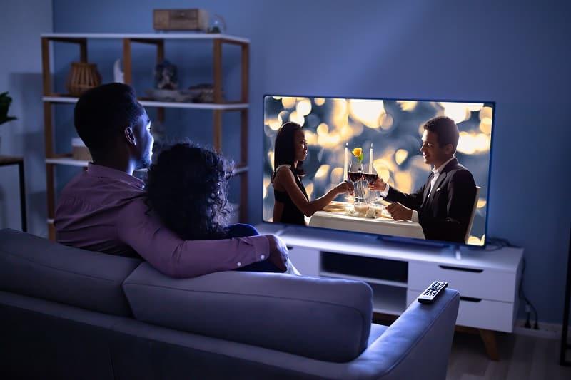 Watch-a-Valentines-Day-Movie-Valentines-Day-Date-Ideas
