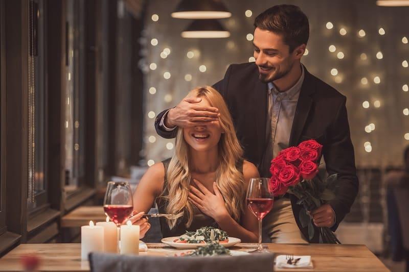 We-LOVE-surprises-Things-Men-Should-Know-About-Women
