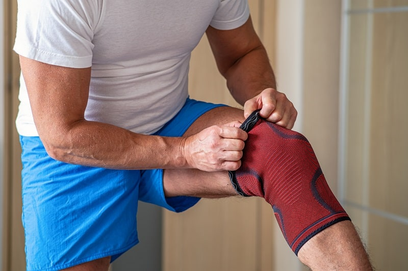 Wear-Compression-If-You-Feel-Tired-and-Sore-After-Working-Out