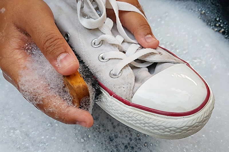 What-Youll-Need-To-Clean-White-Sneakers