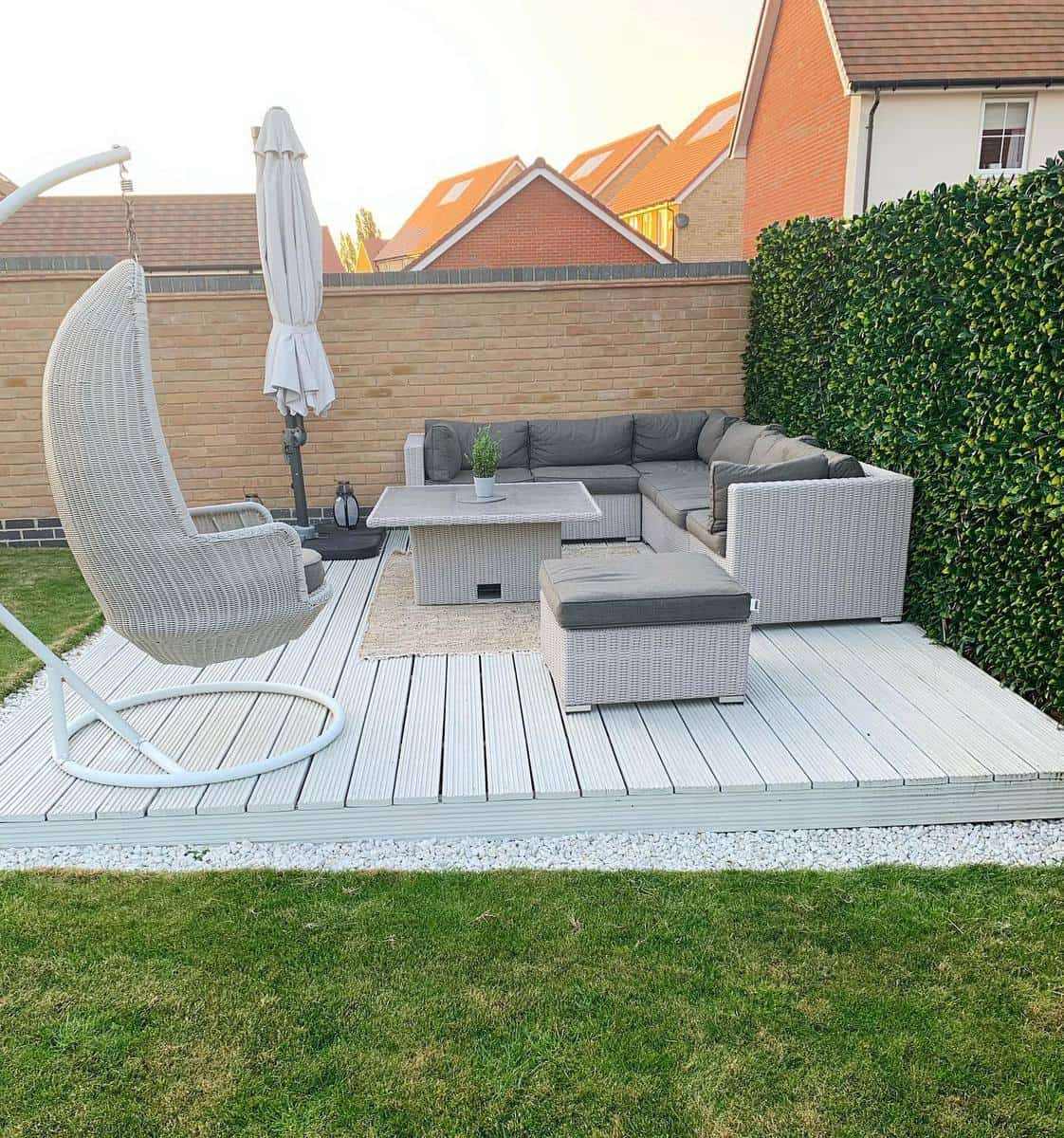 White Deck Color Ideas -no2thelangsdon