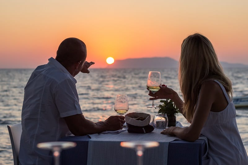 Wine-and-Chocolates-at-Sunset-Valentines-Day-Date-Ideas