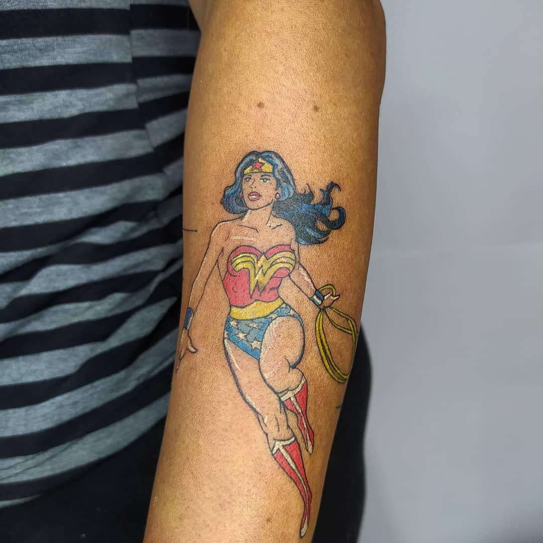 Comic Wonder Woman Tattoo -wood.3312